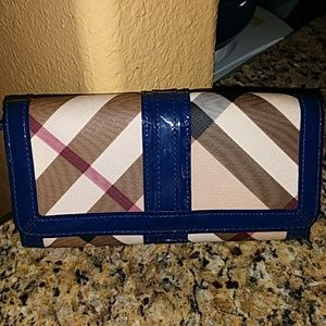 Selling an Authentic Burberry Nova Check Wallet